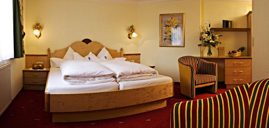 Hotel Jägerhof, Ischgl, Austria - twin bedroom.jpg